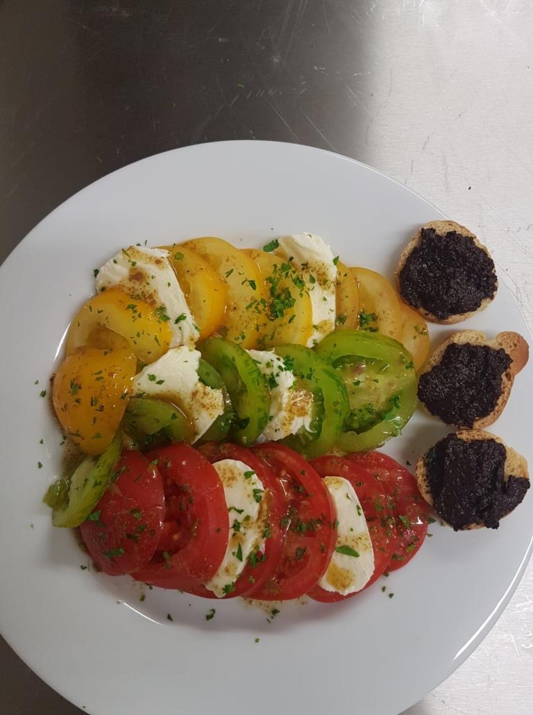 Tomate Mozzarella Restaurant la grand ponche